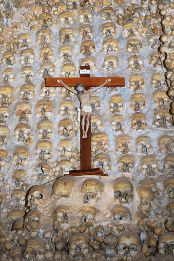 ドクロ「16th century capela dos ossos bone chapel; alcantarilha silves portugal」:スマホ壁紙(8)