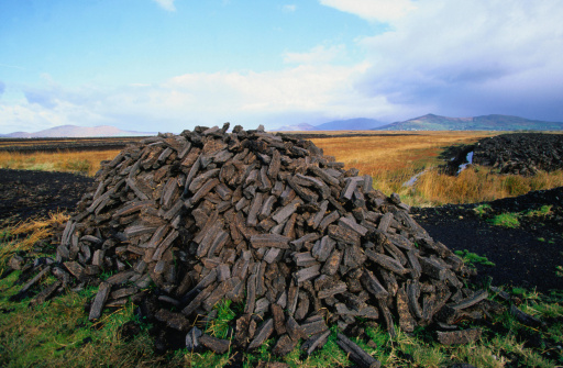Peat「Peat harvest: a pile of fuel for the fires - County Kerry」:スマホ壁紙(7)