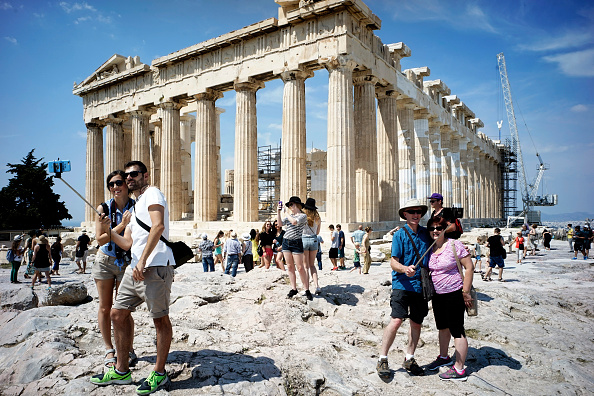 Tourism「Greek Government Look Set To Default On Crucial Debt Repayment」:写真・画像(1)[壁紙.com]