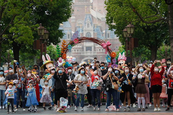Reopening「Disney Shanghai Reopens To Limited Visitors As China Recovers From Coronavirus Pandemic」:写真・画像(14)[壁紙.com]
