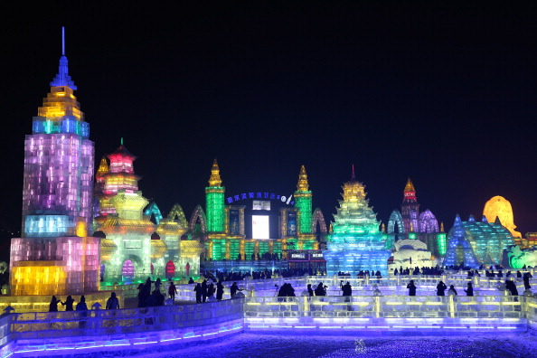 雪まつり「The 30th Harbin International Ice & Snow Sculpture Festival - Opening Ceremony」:写真・画像(9)[壁紙.com]