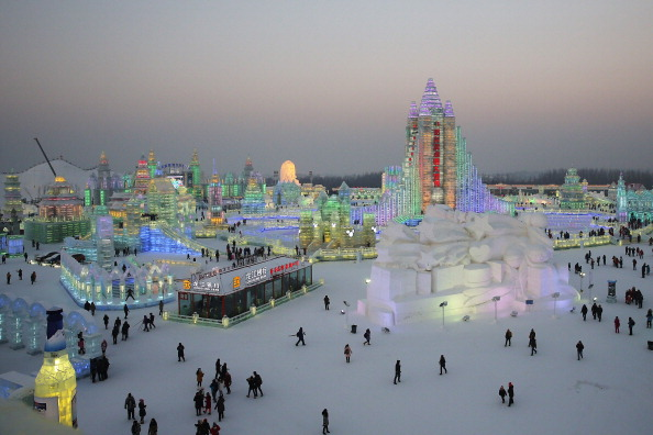 雪まつり「The 30th Harbin International Ice & Snow Sculpture Festival - Opening Ceremony」:写真・画像(4)[壁紙.com]
