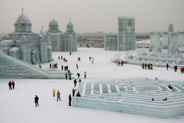 Ice Sculpture「Annual Ice And Snow Festival Opens In Harbin」:写真・画像(0)[壁紙.com]