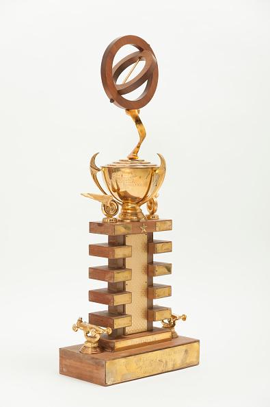 Drag Racing「Sema (Speed Equipment Manufacturers Association) Allard Trophy For Dragsters.」:写真・画像(12)[壁紙.com]