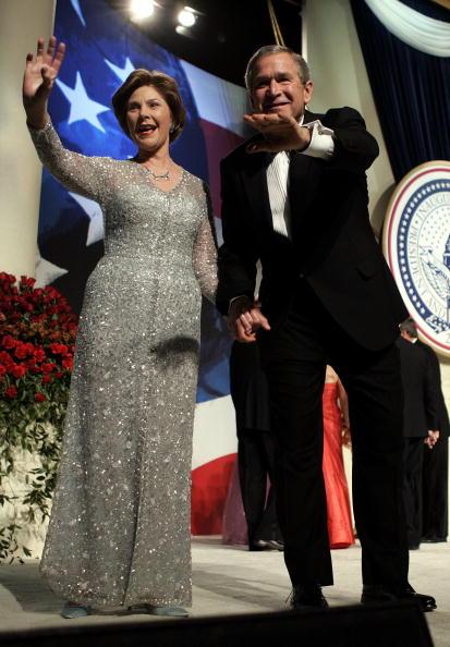 Holding Hands「Democracy Ball」:写真・画像(10)[壁紙.com]