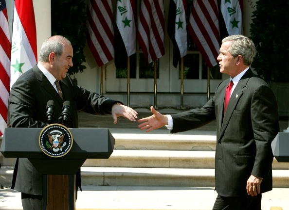 Ayad Allawi「President Bush Meets With Iraqi Prime Minister At White House」:写真・画像(2)[壁紙.com]