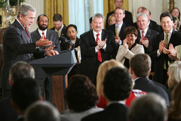 Human Arm「President Bush Greets New Members Of Congress」:写真・画像(13)[壁紙.com]