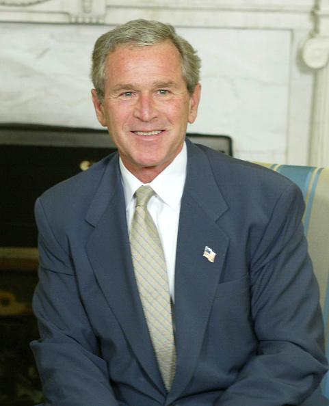 カメラ目線「President Bush Meets With President Of Chile」:写真・画像(1)[壁紙.com]