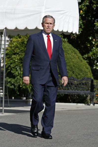 Chip Somodevilla「Bush Addresses UN Resolution On North Korea」:写真・画像(12)[壁紙.com]