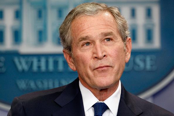 George W「President Bush Holds News Conference」:写真・画像(0)[壁紙.com]