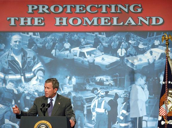 Patriotism「President Bush Makes Remarks On The Patriot Act」:写真・画像(0)[壁紙.com]