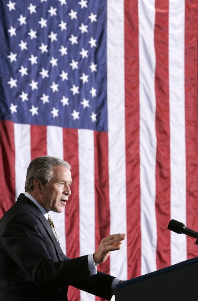 Insurance「President Bush Speaks On Medicare」:写真・画像(5)[壁紙.com]