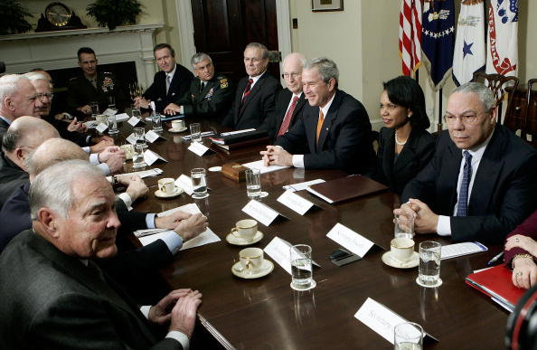 Chairperson「President Bush Meets With Secretaries Of State And Defense」:写真・画像(9)[壁紙.com]