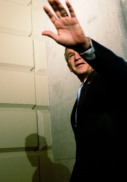 Shadow「Bush Attends House Republican Conference On Capitol Hill」:写真・画像(0)[壁紙.com]