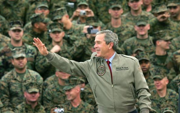 Middle East「President Bush Visits Camp Pendleton」:写真・画像(14)[壁紙.com]