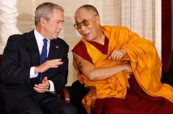 Architectural Feature「Dalai Lama Awarded U.S. Congressional Gold Medal」:写真・画像(12)[壁紙.com]