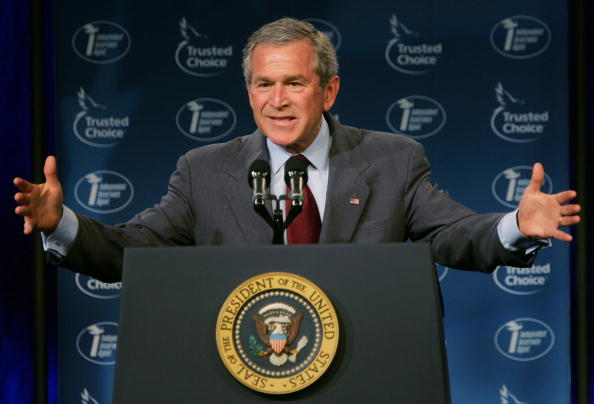 Insurance「President Bush Pushes His Social Security Agenda」:写真・画像(1)[壁紙.com]