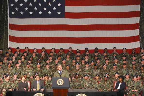 Beret「U.S. President George W. Bush Addresses U.S. Troops In Texas」:写真・画像(16)[壁紙.com]