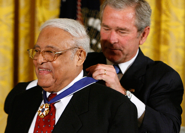NAACP「Bush Awards Presidential Medal of Freedom」:写真・画像(16)[壁紙.com]
