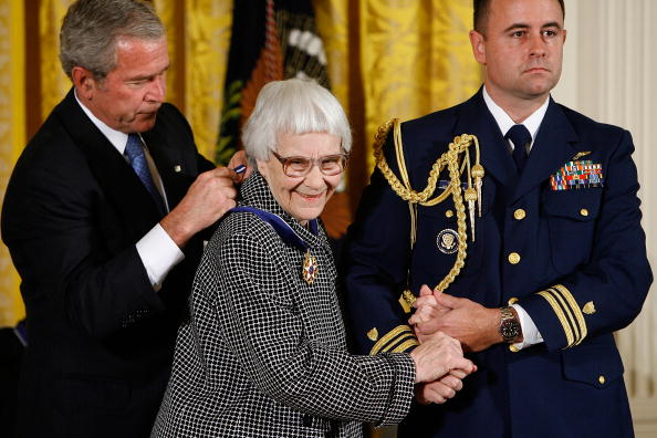 Pulitzer Prize「Bush Awards Presidential Medal of Freedom」:写真・画像(3)[壁紙.com]