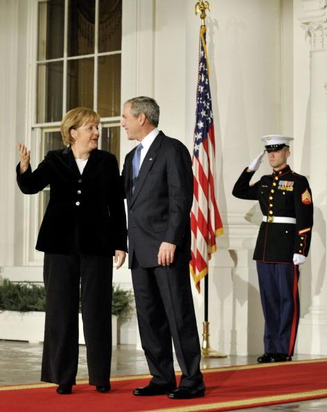 Global「President Bush Welcomes World Leaders To Financial Crisis Summit」:写真・画像(7)[壁紙.com]