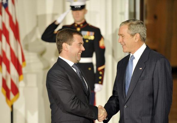 Global「President Bush Welcomes World Leaders To Financial Crisis Summit」:写真・画像(6)[壁紙.com]