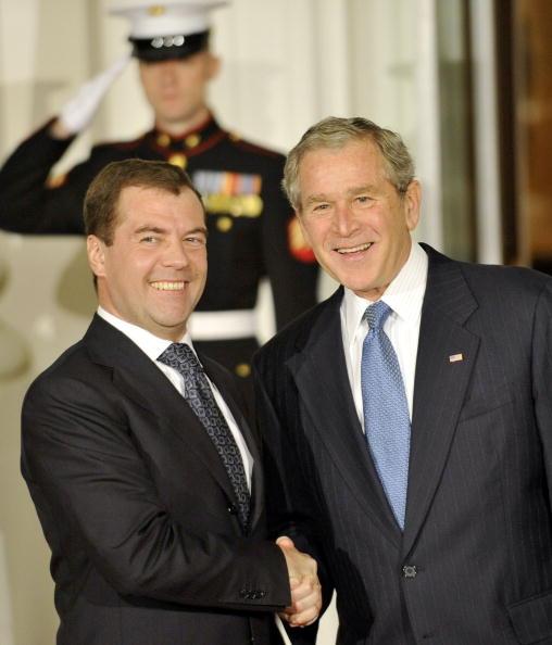 Global「President Bush Welcomes World Leaders To Financial Crisis Summit」:写真・画像(5)[壁紙.com]