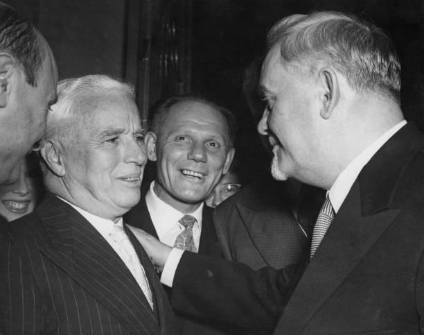 Fred Ramage「Soviets In London」:写真・画像(7)[壁紙.com]