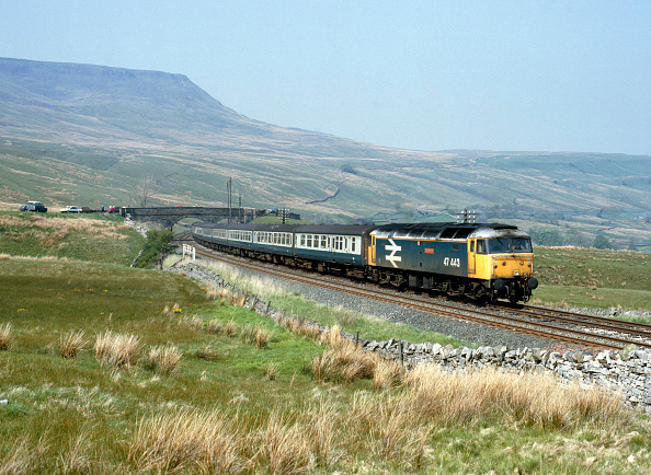 Animal Body Part「Settle and Carlisle line. No.47.443 at Ais Gill Summit with the 12:42 ex Carlisle for Leeds. 20.05.1989.」:写真・画像(14)[壁紙.com]