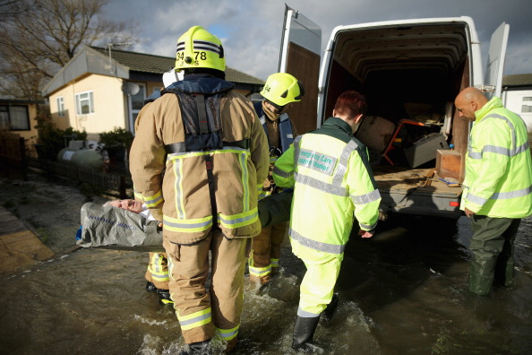 Chertsey「Flood Warnings Continue As More Rain Is Forecast Across England」:写真・画像(11)[壁紙.com]