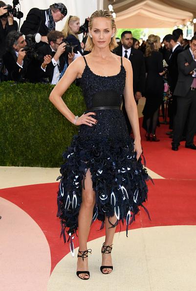 アンバー ヴァレッタ「'Manus x Machina: Fashion In An Age Of Technology' Costume Institute Gala - Arrivals」:写真・画像(13)[壁紙.com]