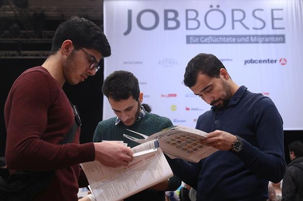 Germany「Berlin Holds Jobs Fair For Refugees」:写真・画像(15)[壁紙.com]