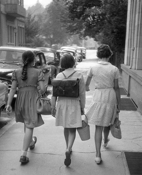 Purse「German Schoolgirls」:写真・画像(15)[壁紙.com]