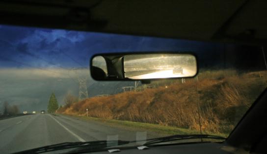 鏡開き「見直すことで、後姿ミラー」:スマホ壁紙(6)