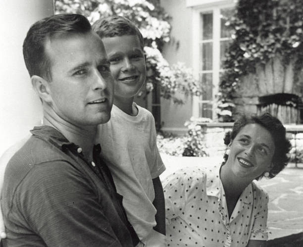 Bush Family Portrait, Summer 1955:ニュース(壁紙.com)