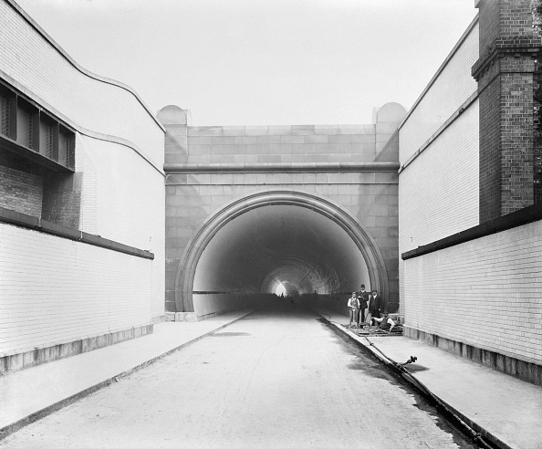 Edwardian Style「South Entrance To The Rotherhithe Tunnel During Construction」:写真・画像(11)[壁紙.com]