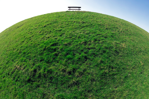 Convex「Sphere Grass Background with Bench」:スマホ壁紙(5)