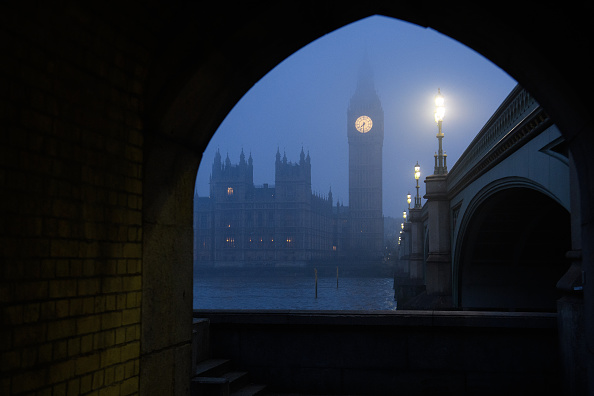 Houses Of Parliament - London「Freezing Fog Descends Across The UK」:写真・画像(10)[壁紙.com]