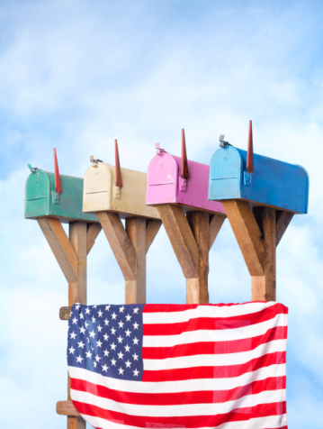 Wooden Post「Row of mail boxes with American flag」:スマホ壁紙(17)