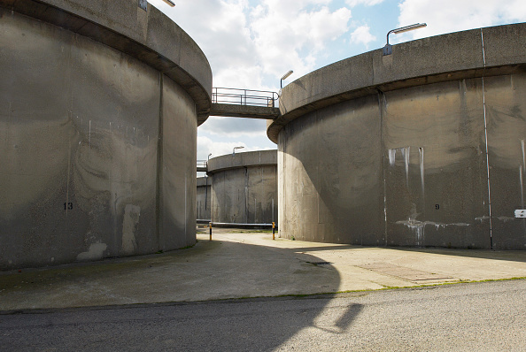 Passenger Boarding Bridge「Sewage works, South East London, UK」:写真・画像(5)[壁紙.com]