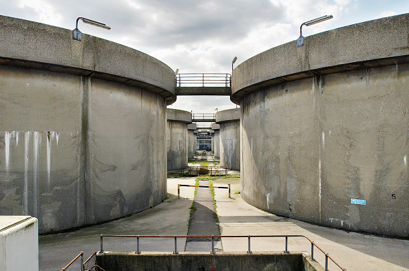 Passenger Boarding Bridge「Sewage works, South East London, UK」:写真・画像(5)[壁紙.com]