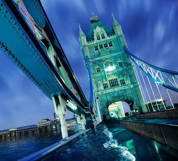 Digital Composite「River Thames spilling on to Tower Bridge, London, UK (digital composite)」:写真・画像(17)[壁紙.com]