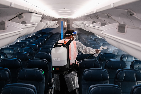 Topix「Delta Airlines Highlights Its Covid Safety Measures At National Airport」:写真・画像(14)[壁紙.com]