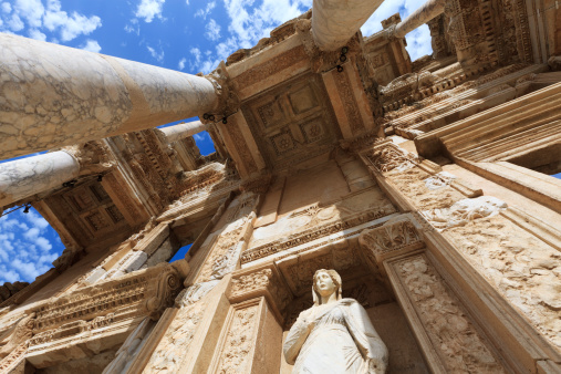 Ancient Civilization「Low angle view of The Library of Celus in Ephesus, Turkey」:スマホ壁紙(13)