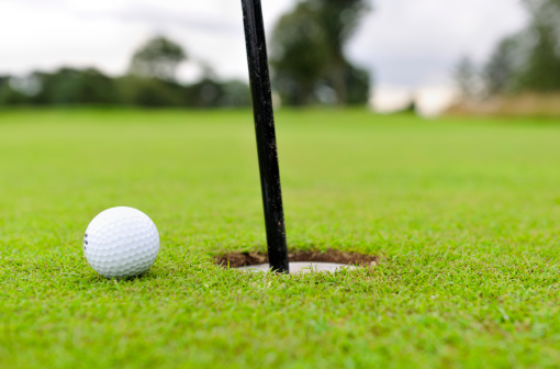 Sports Flag「low angle view of golf ball」:スマホ壁紙(17)