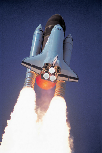 Spacecraft「low angle view of a space shuttle taking off」:スマホ壁紙(9)