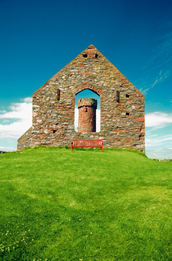 マン島「Low angle view of the Peel Castle, Isle of Man, British Isles」:スマホ壁紙(13)