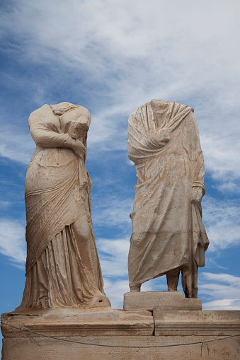 Ancient Civilization「Low angle view of dilapidated statue ruins」:スマホ壁紙(17)