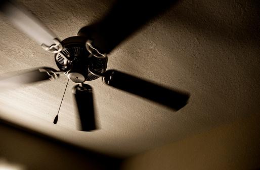 Ceiling Fan「Low angle view of ceiling fan」:スマホ壁紙(3)