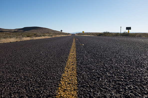 Low Angle View「The Open Road」:写真・画像(2)[壁紙.com]